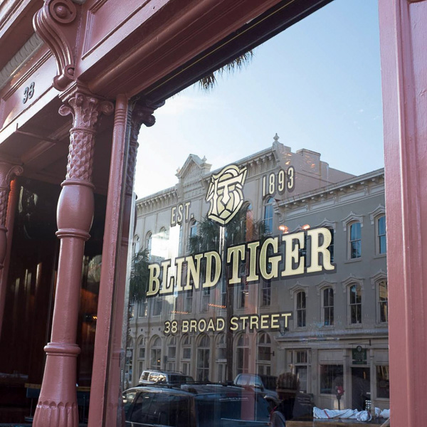 Fun things to do in Charleston : Blind Tiger Pub in French Quarter.