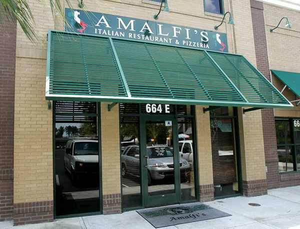 Fun things to do in Charleston : Amalfis Italian Restaurant Pizzeria in Mt Pleasant, SC.